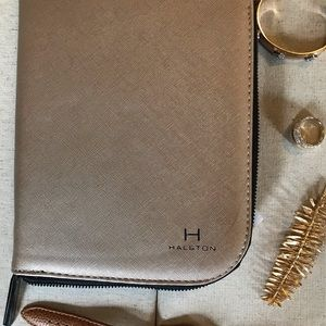 Halston folded travel jewelry case in gold NWT